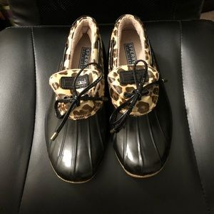 Gently worn sperry topsiders - duck style